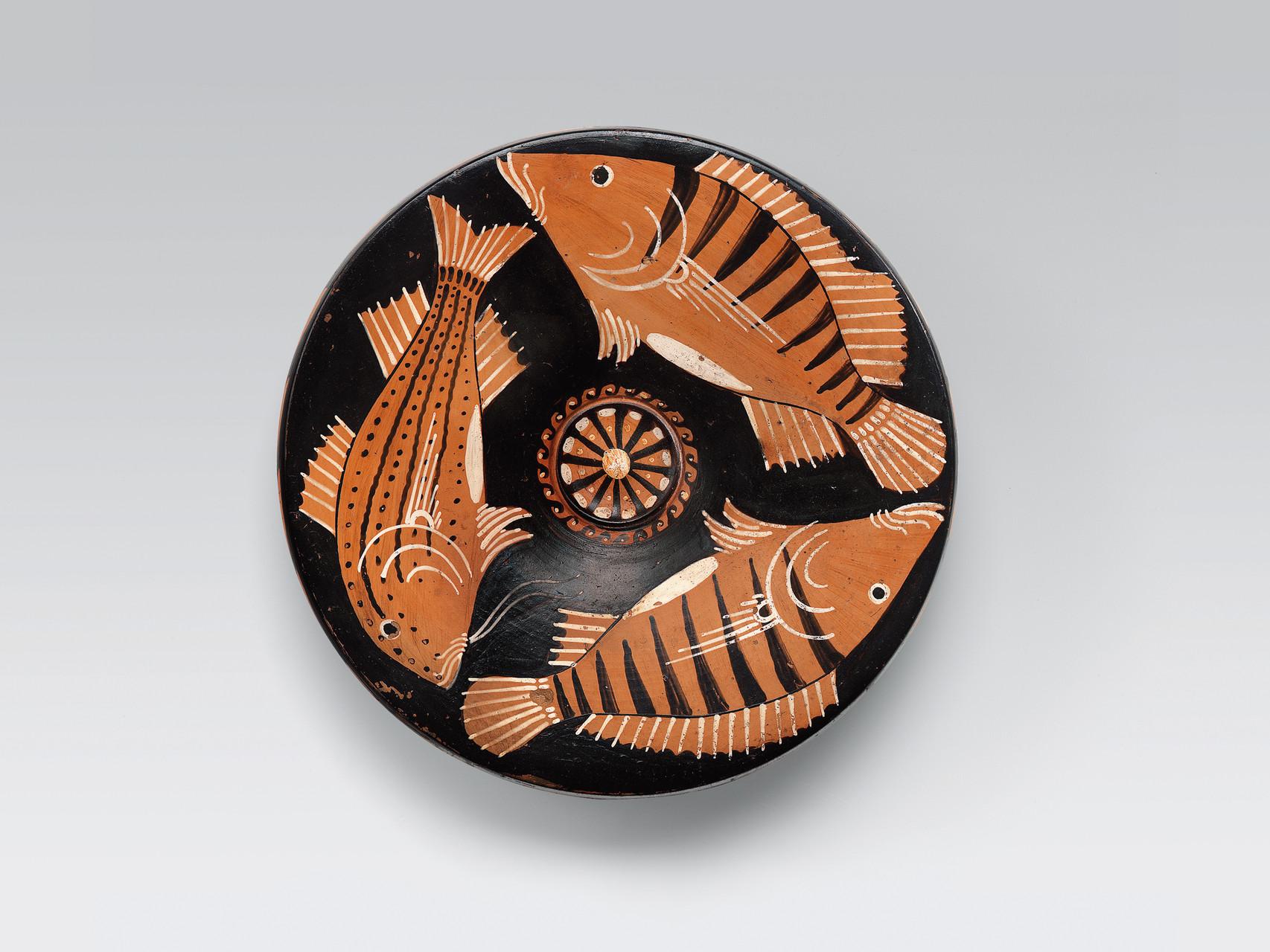 Piatto da pesce Ceramica apula a figure rosse, 330-310 a.C. da Ruvo Collezione Intesa Sanpaolo