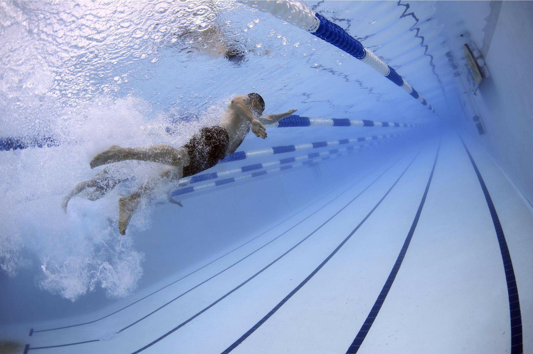 Associazione Cultura Donna Bolzano | nuoto in piscina