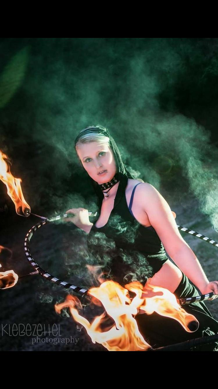 Feuer Hula Hoop by Klebezettel Photography