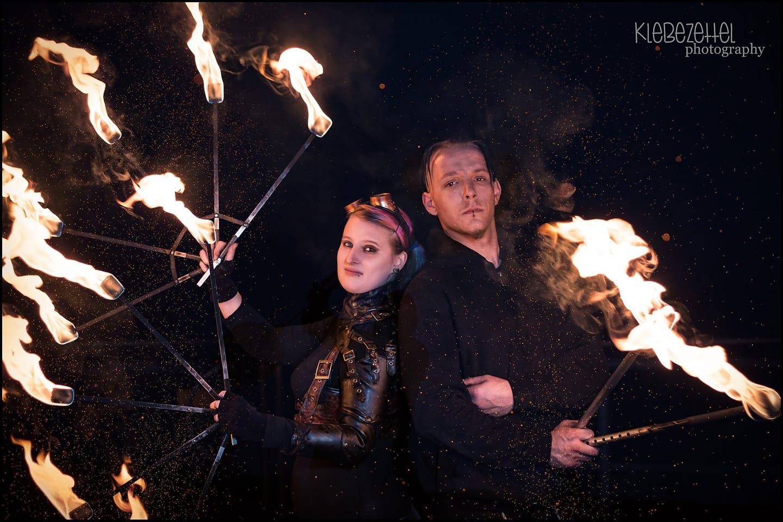 Feuerfächer und Stab by Klebezettelphotography