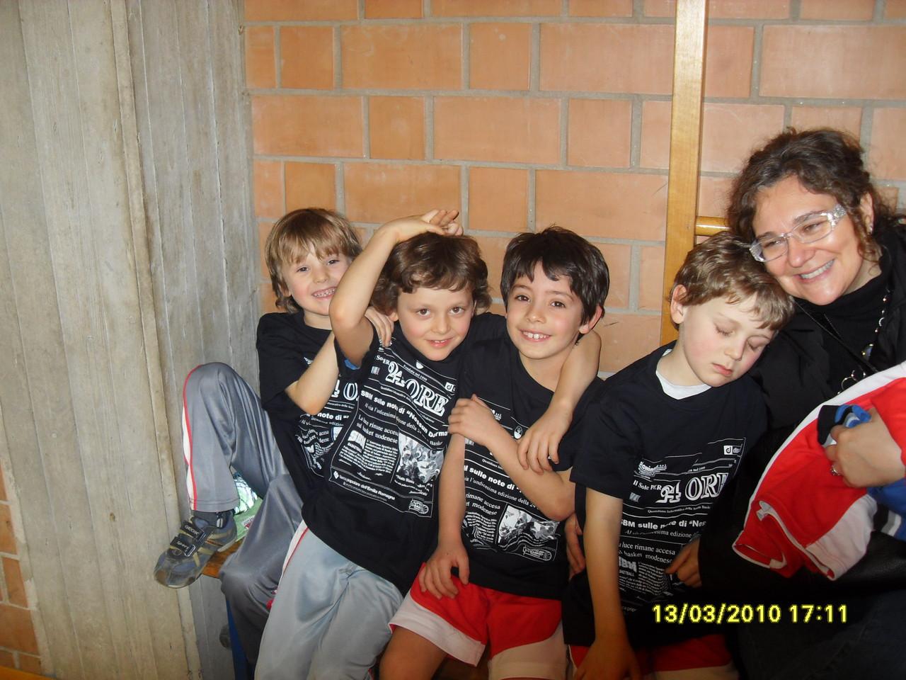 """24 ORE 2010 - palestra """"Ferraris"""" - bimbi InMo.To. ospiti della manifestazione"""