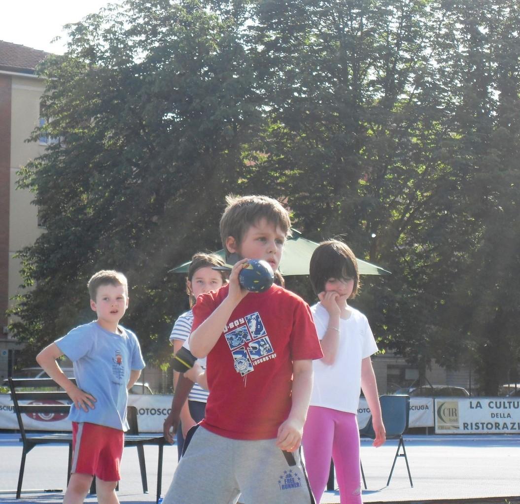 Campo scuola maggio 2011 - lancio del vortex