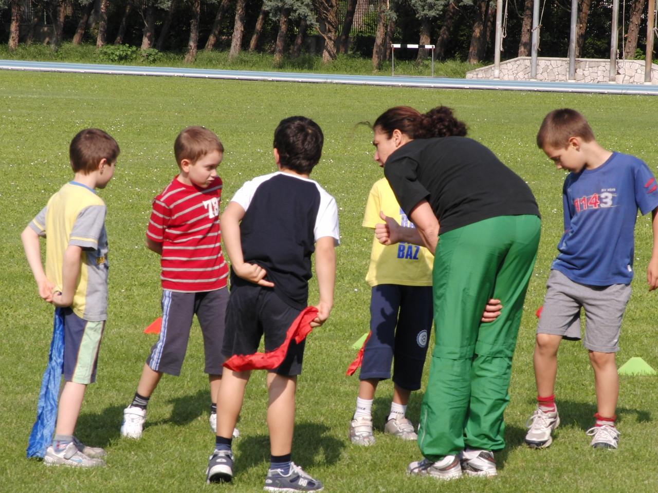 CORSO ATLETICA - giochi di riscaldamento - Campo Scuola maggio 2011