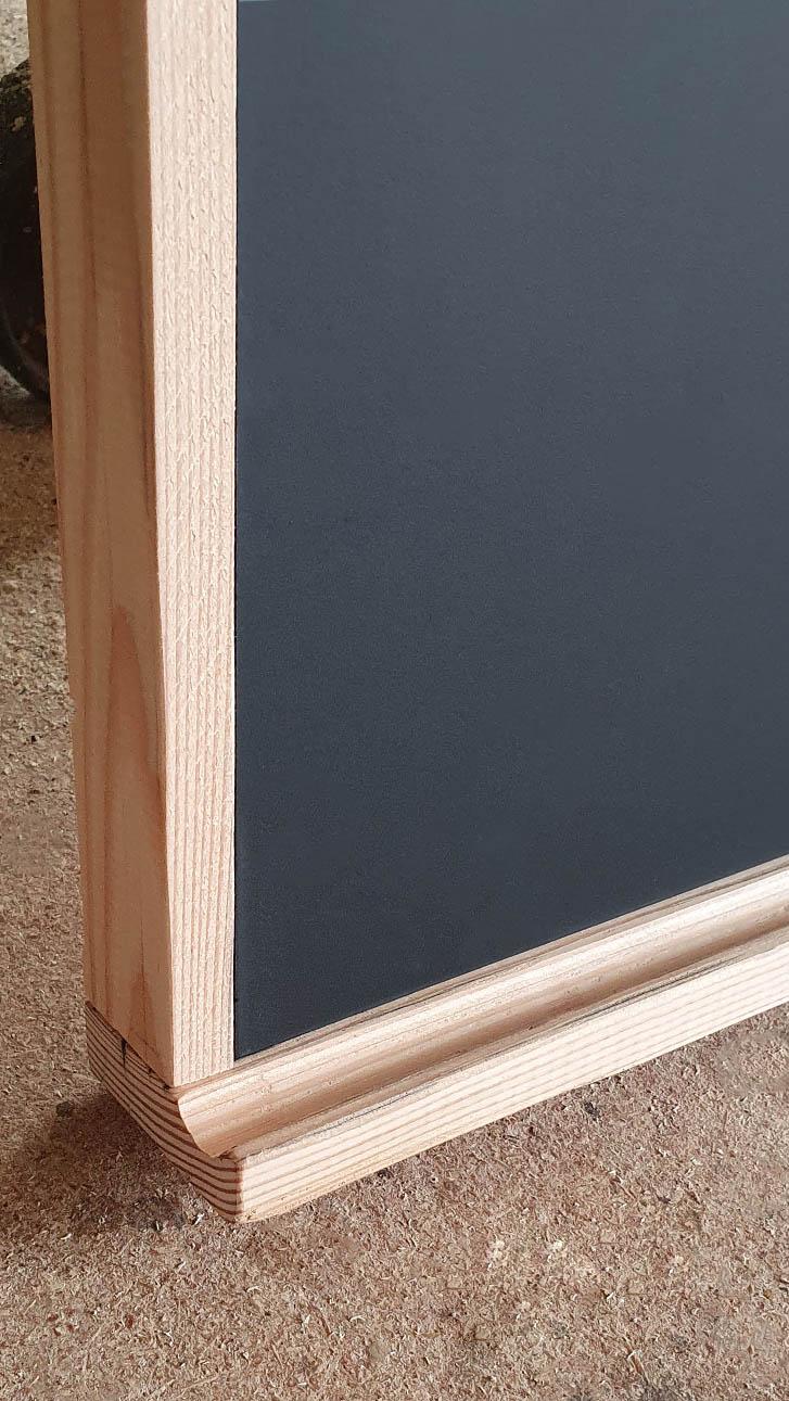 Kreidetafel verblendet - Lärche (filigran) mit Ablage (halbrund)