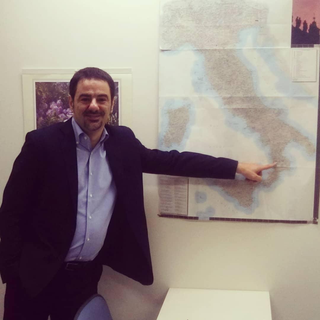 イタリア語講師 ロレンツォ先生