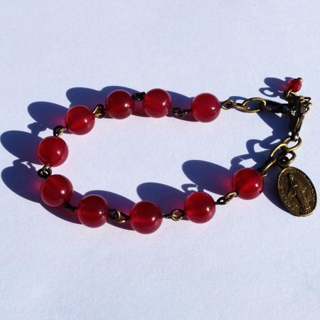 Les bracelets des bijoux fantaisie Galinou création sont mode et tendance et en pierres fines.