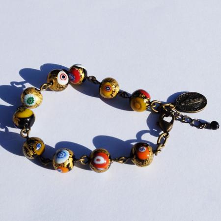 Pour ces bracelets fantaisie, Galinou création utilise du verre de Murano mode.