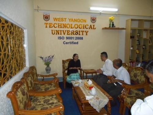 東ヤンゴン工科大学への視察アレンジしました。