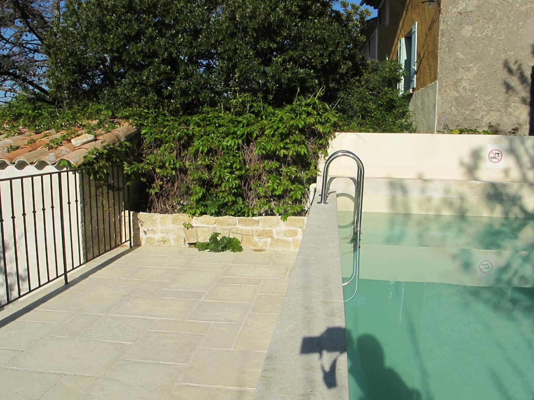 loucardaline-bedoin-ventoux-chambre d hotes-vaucluse-vacances-piscine-bassin