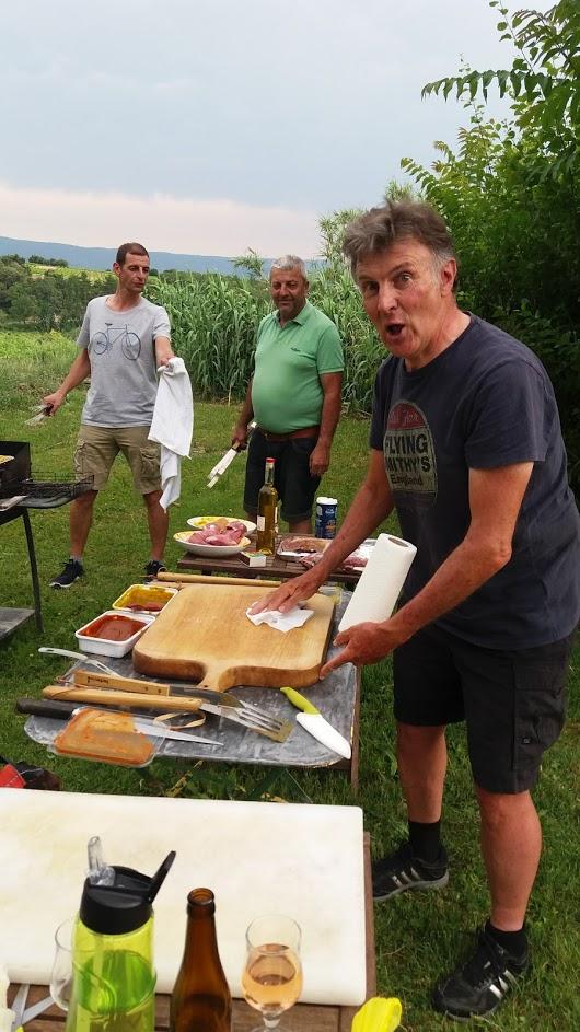 loucardalines-vacances-sporta-ventoux-la cannibale-barbecue-st colombe-ventoux-bedoin-chambres d hôtes-vaucluse-gite