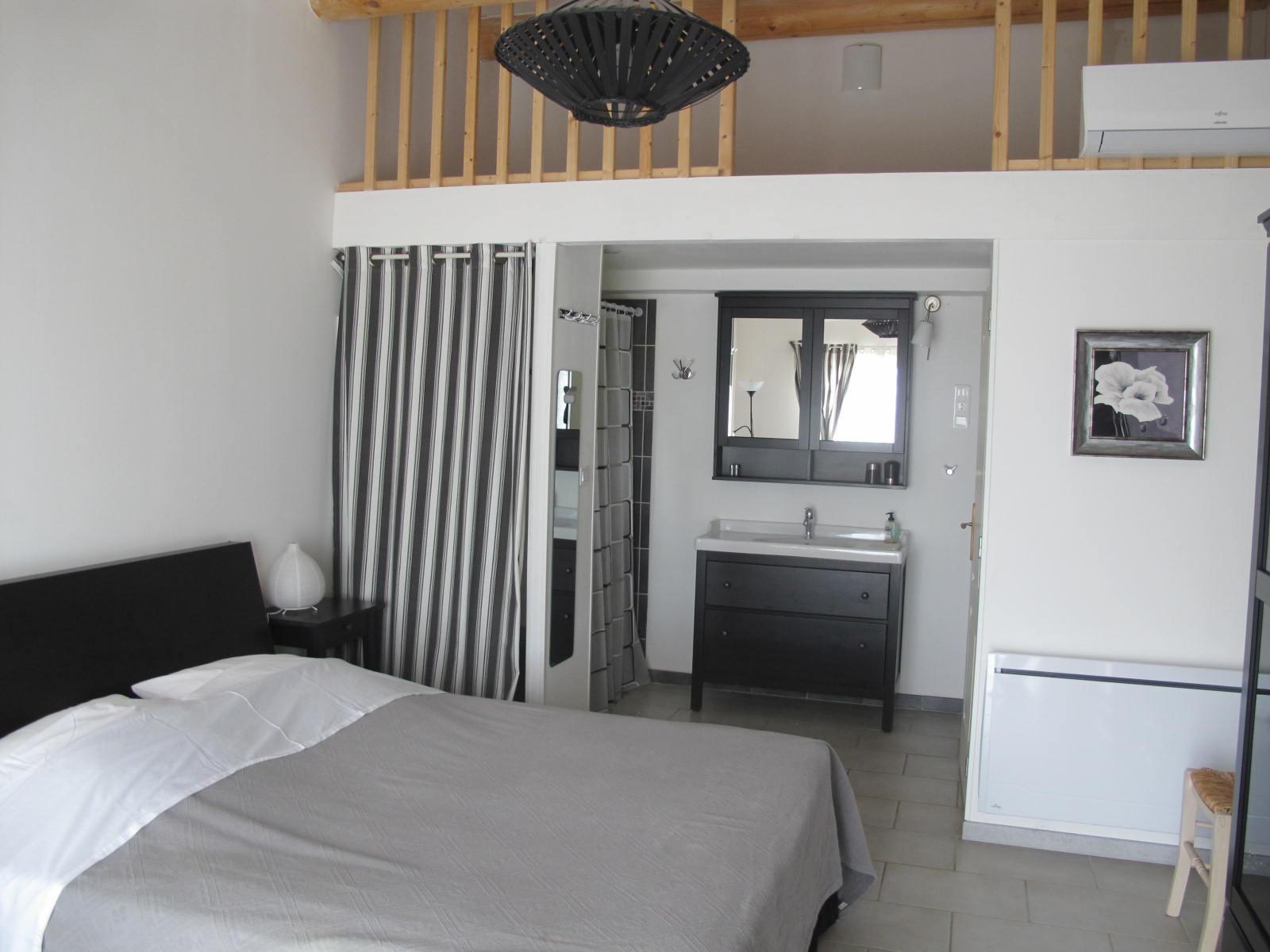 loucardaline-bedoin-ventoux-chambre d hotes-vaucluse-double confort-calme - climatisé