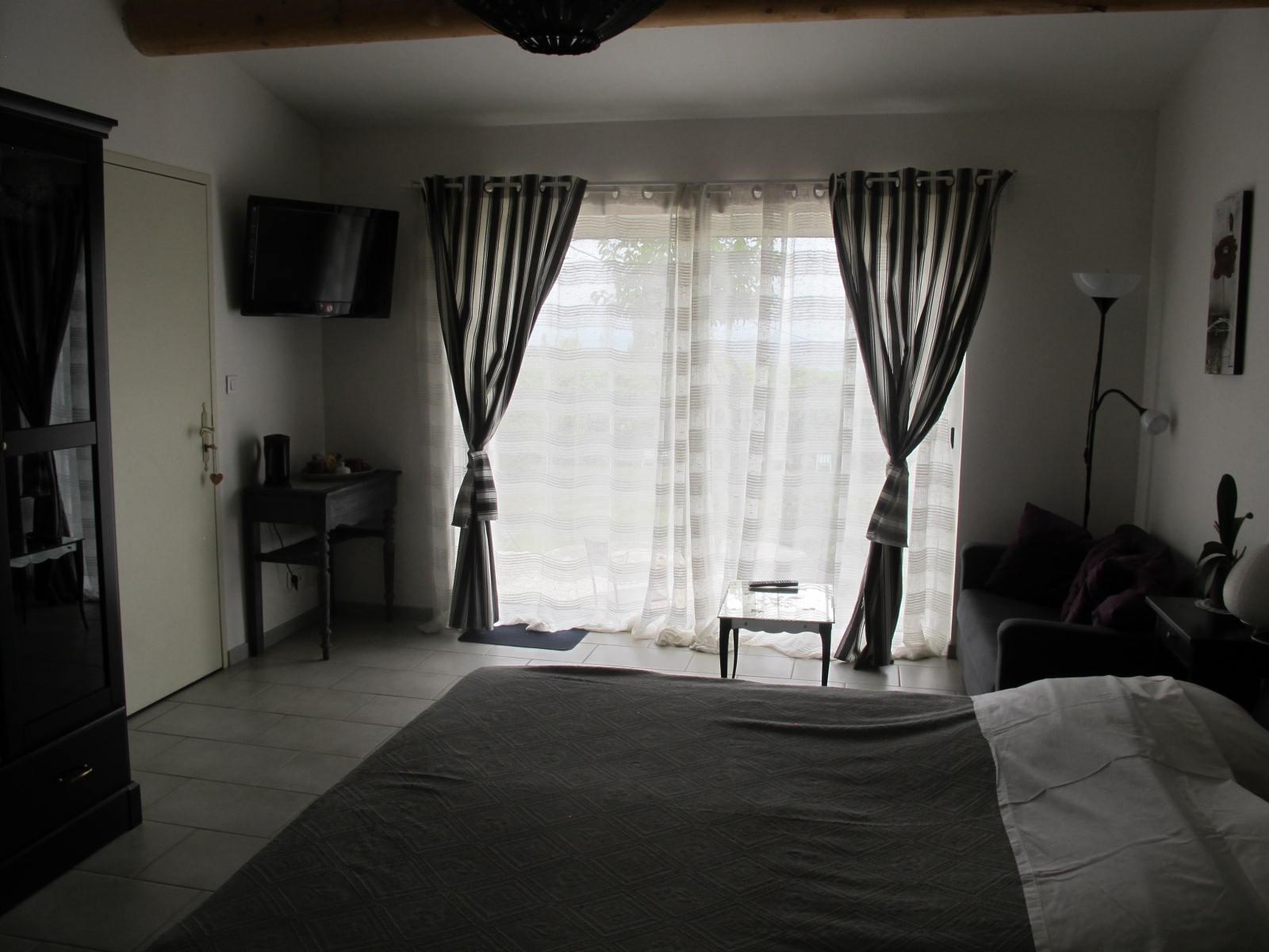 loucardaline-bedoin-ventoux-chambre d hotes-vaucluse-double confort orchidée-calme
