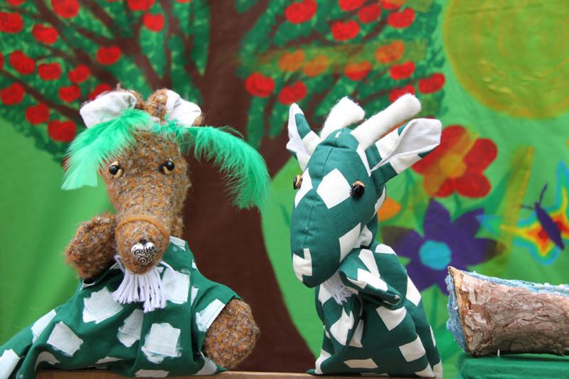 """""""Ich bin die Ziege Viola!"""" sagt der Fuchs"""