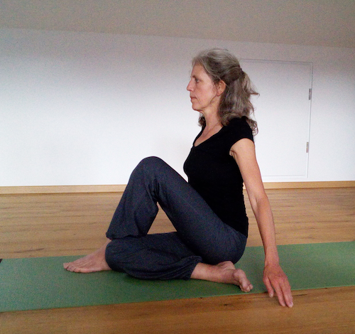 Yoga-Übungen und die Energiezentren, cakra