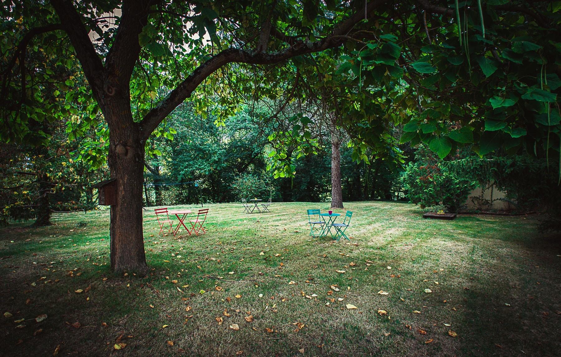 Le parc du Domaine Quiescis, chambres d'hôtes et hébergements insolites
