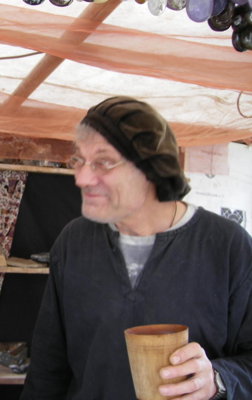 freundlicher Jörg Buchrose Glasfedern
