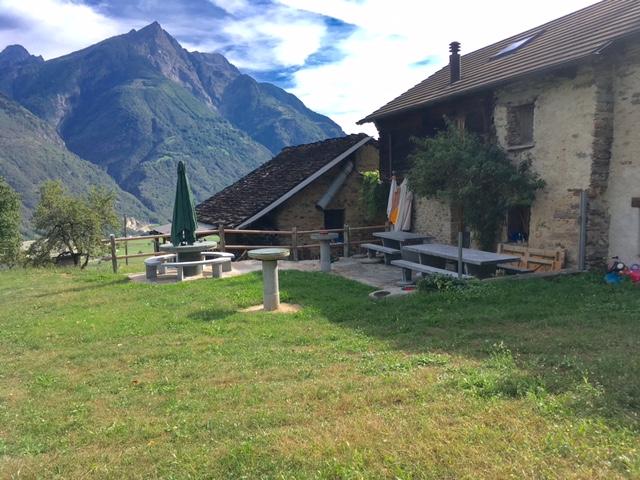 """unser neues """"Zuhause""""... viel Platz, tolle Aussicht, Ruhe und 20 Plätze für Gäste...doch zuerst wird unser neues Heim genau..."""