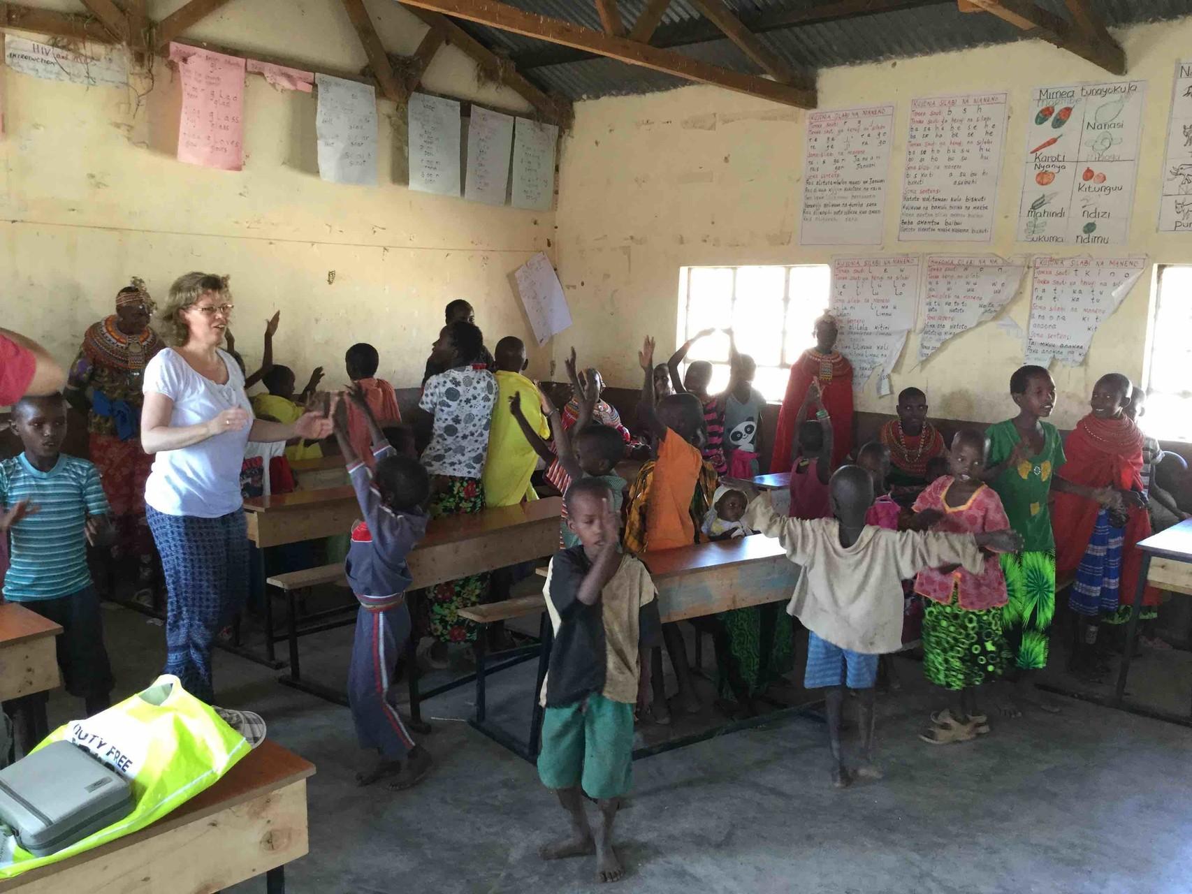 Sonntags im Gottesdienst bei den Samburus