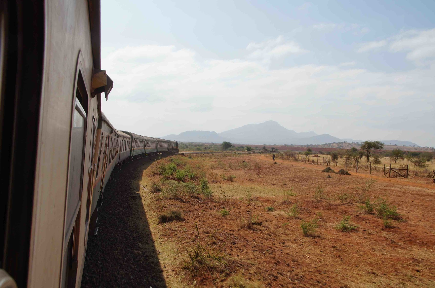 Bahnfahrt von Nairobi nach Mombasa