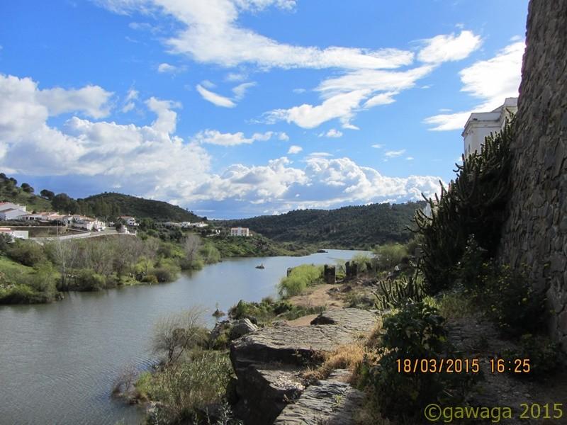 und über den Fluss