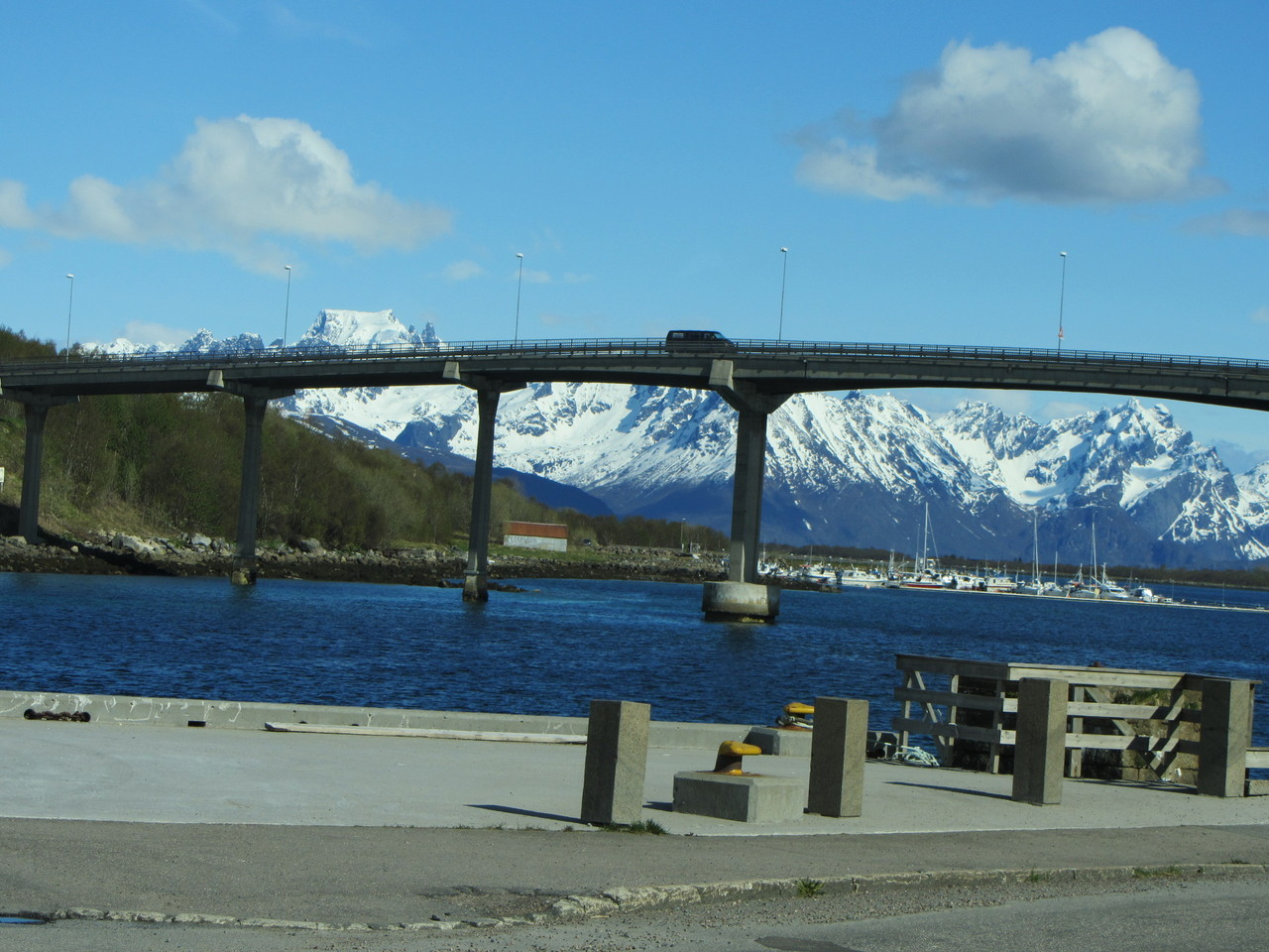 Brücke in Stokmarknes