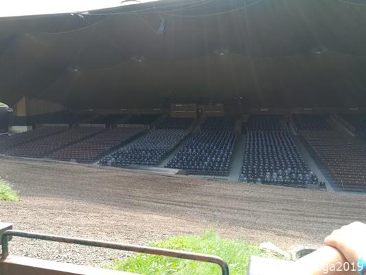 der Zuschauerraum bietet Platz für ca. 4.000 Personen
