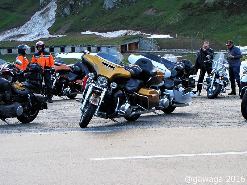 swiss500miles, ca. 400 Harleys kommen und fahren