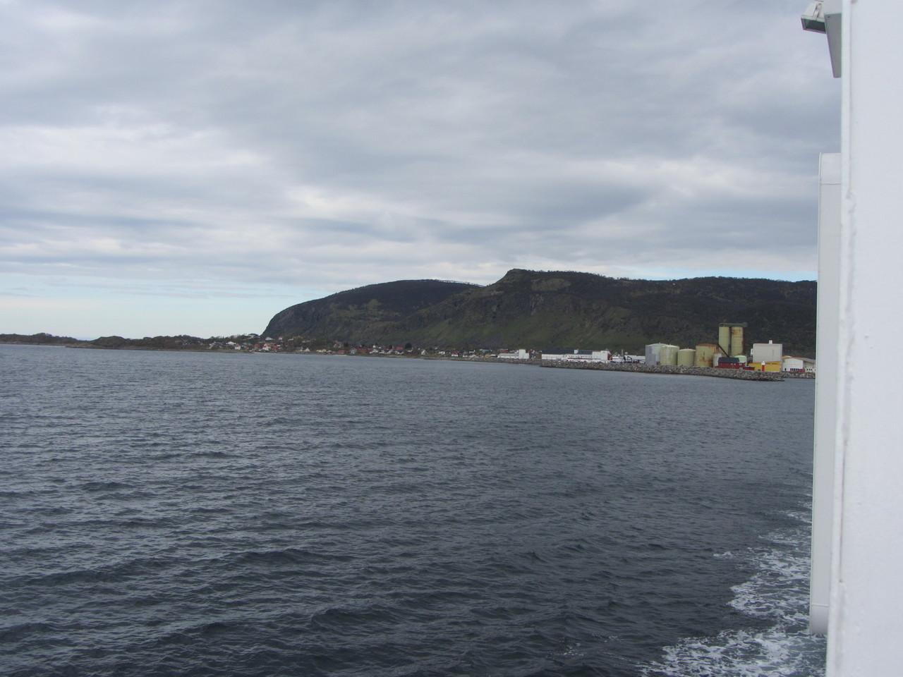 den Hadselfjorden nach Fiskebøl.