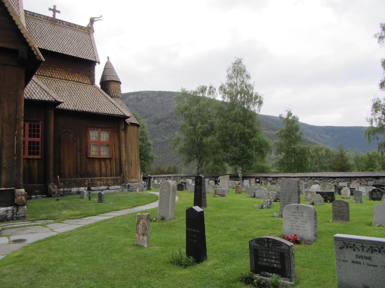 Friedhof an der Stabkirche Ringebu
