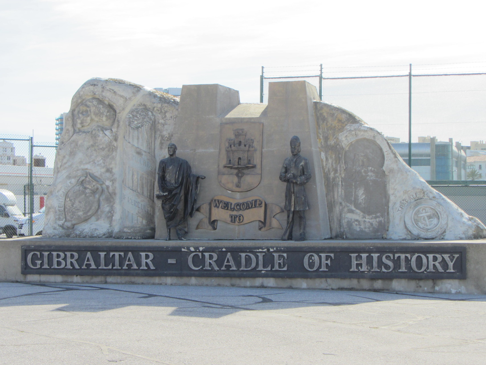 Denkmal an der Grenze nach Gibraltar