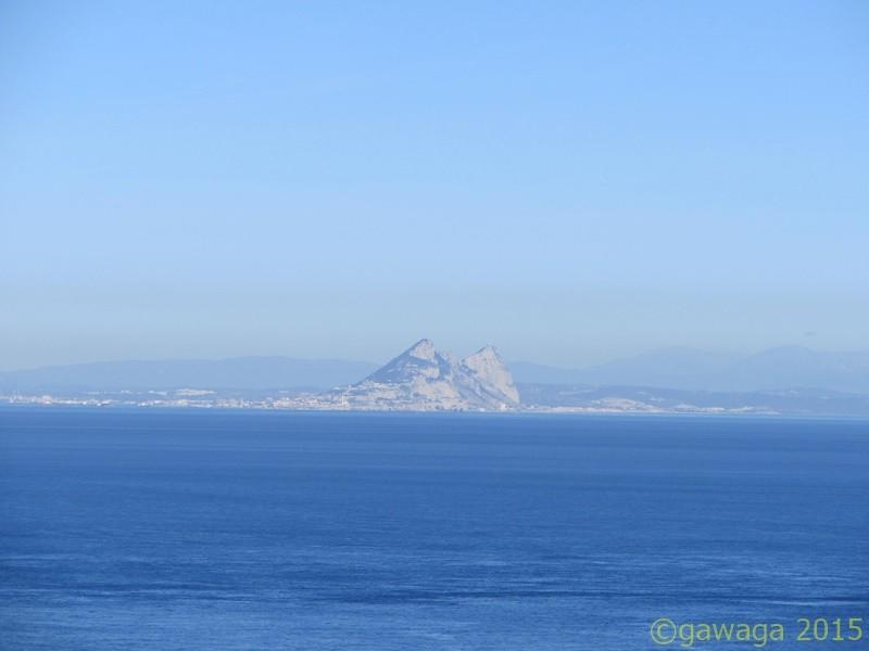 der Felsen von Gibraltar vor dem spanischen Festland