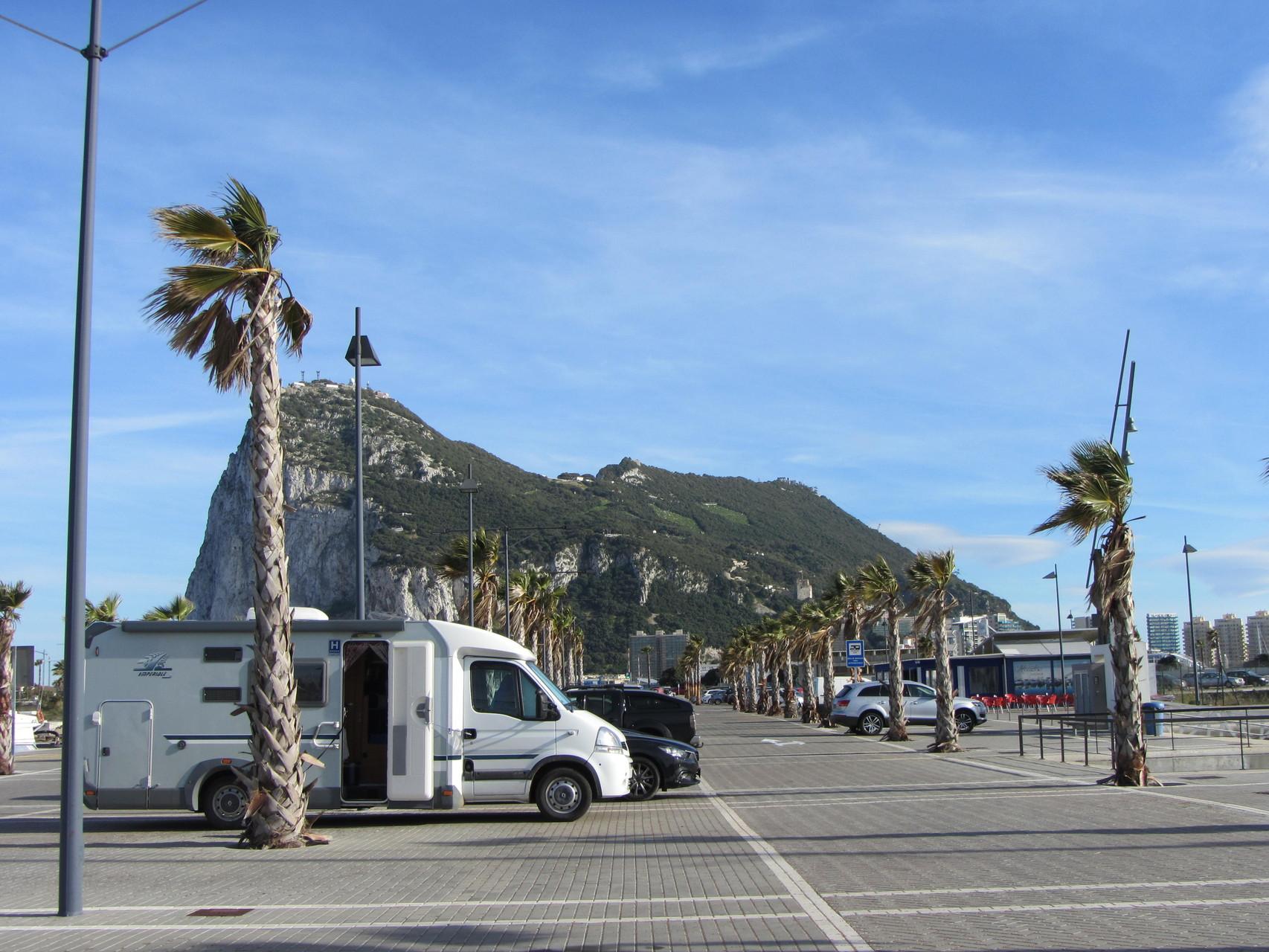 Übernachtungs- und Parkplatz in La Línea Alcaidesa Marina