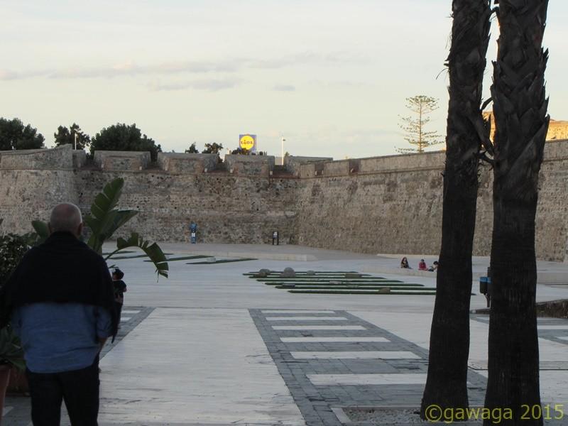 im Schatten der Murallas - Lidl allgegenwärtig