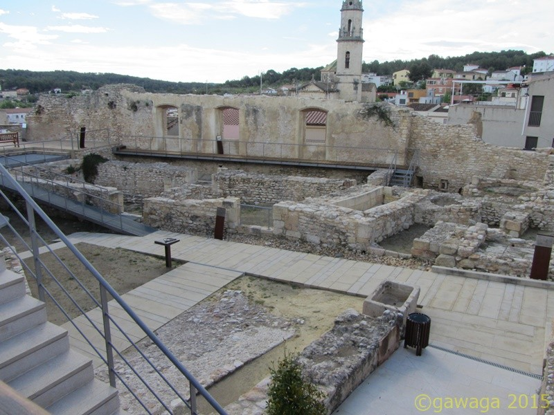 Ausgrabungen der Grundmauern aus der Eisenzeit