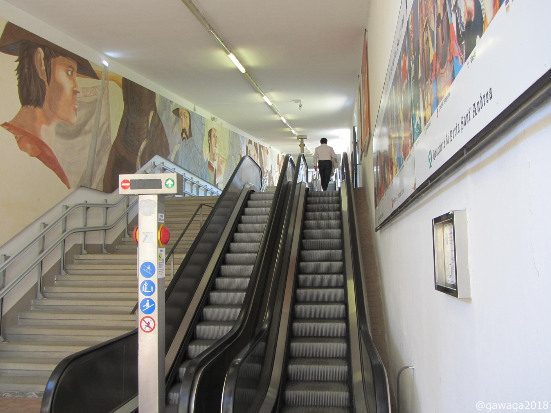 Rolltreppe hinauf nach Arezzo