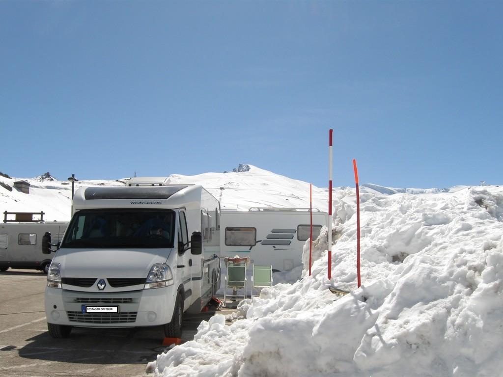 Schneewand am WoMo
