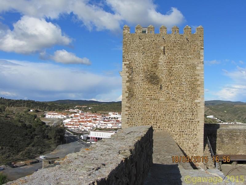 Stadtmauer um den Ort