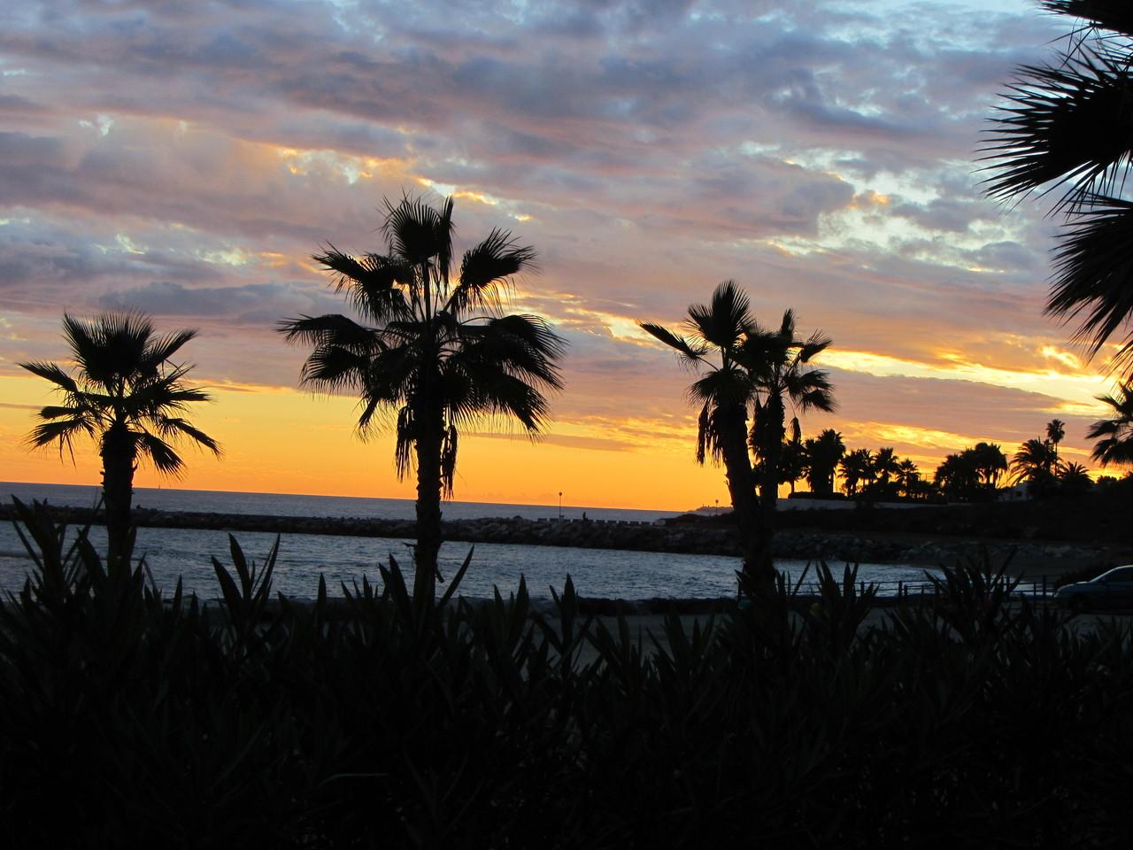 ein letzter Sonnenuntergang am Strand von Benalmádena