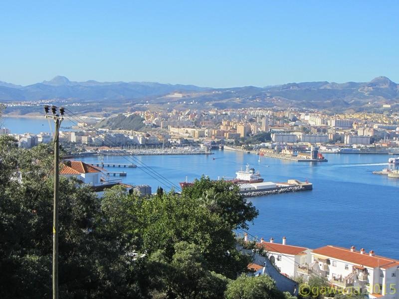 der Hafen und die Stadt