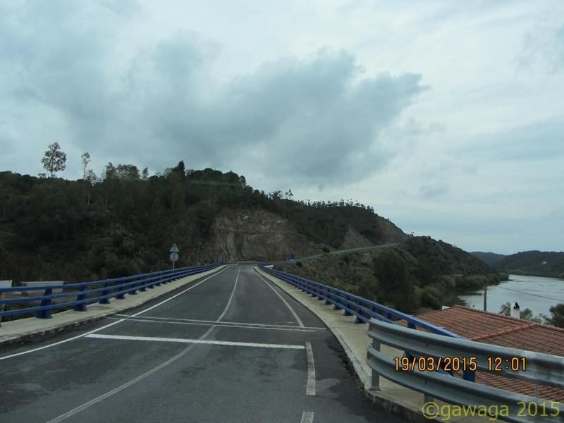 am anderen Ende der Brücke ist Spanien