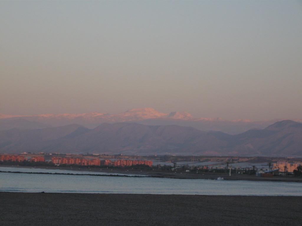 und am nächsten Morgen beim Sonnenaufgang