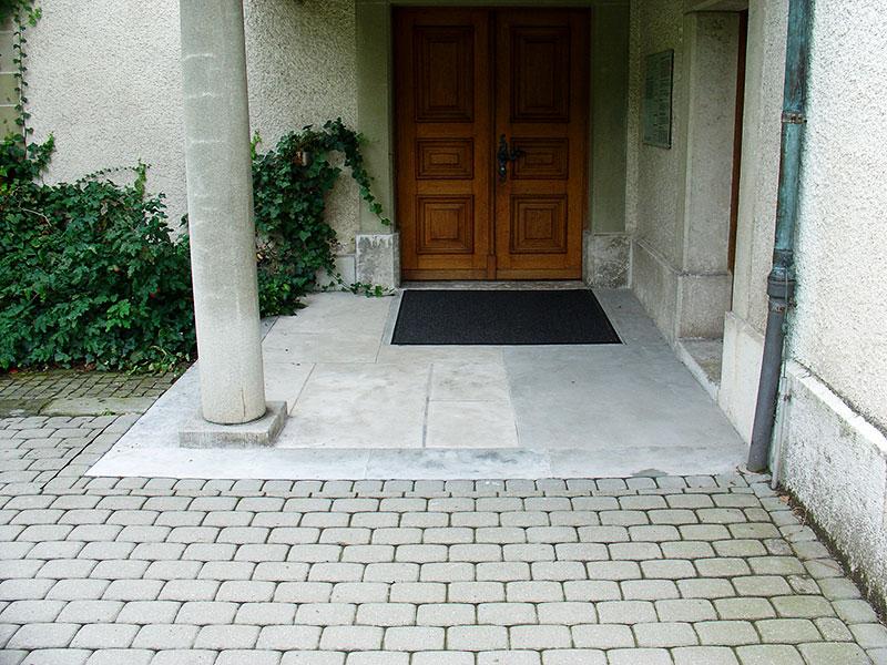 Kircheneingang_nachher
