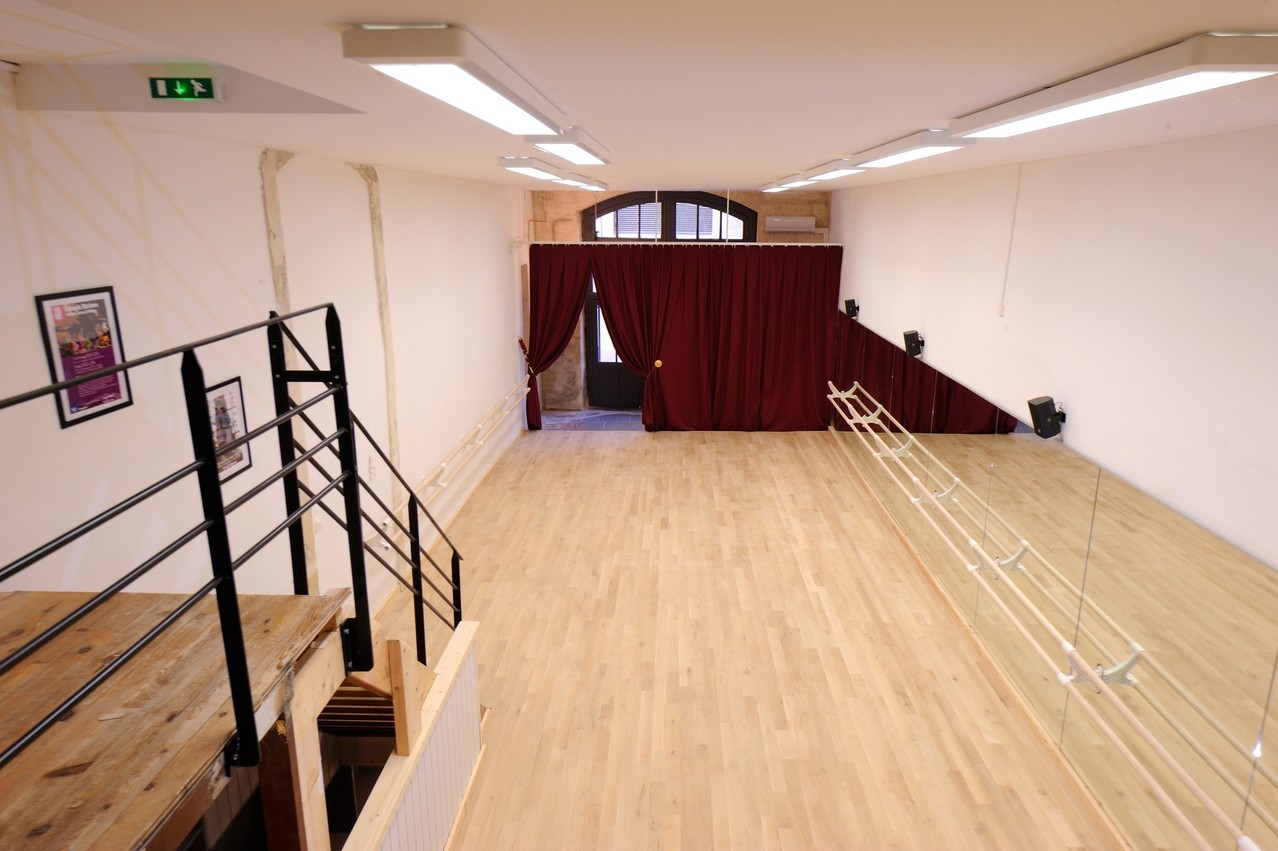 l 39 cole de danse de l 39 cusson ecole de danse montpellier. Black Bedroom Furniture Sets. Home Design Ideas