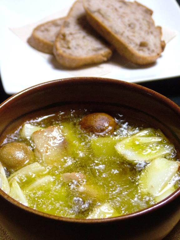 クロコダイルと季節野菜のオリーブオイル煮