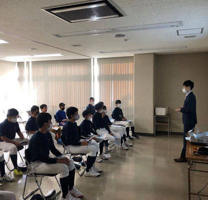 非営利団体Academic&Sports様での中学部向け講演会