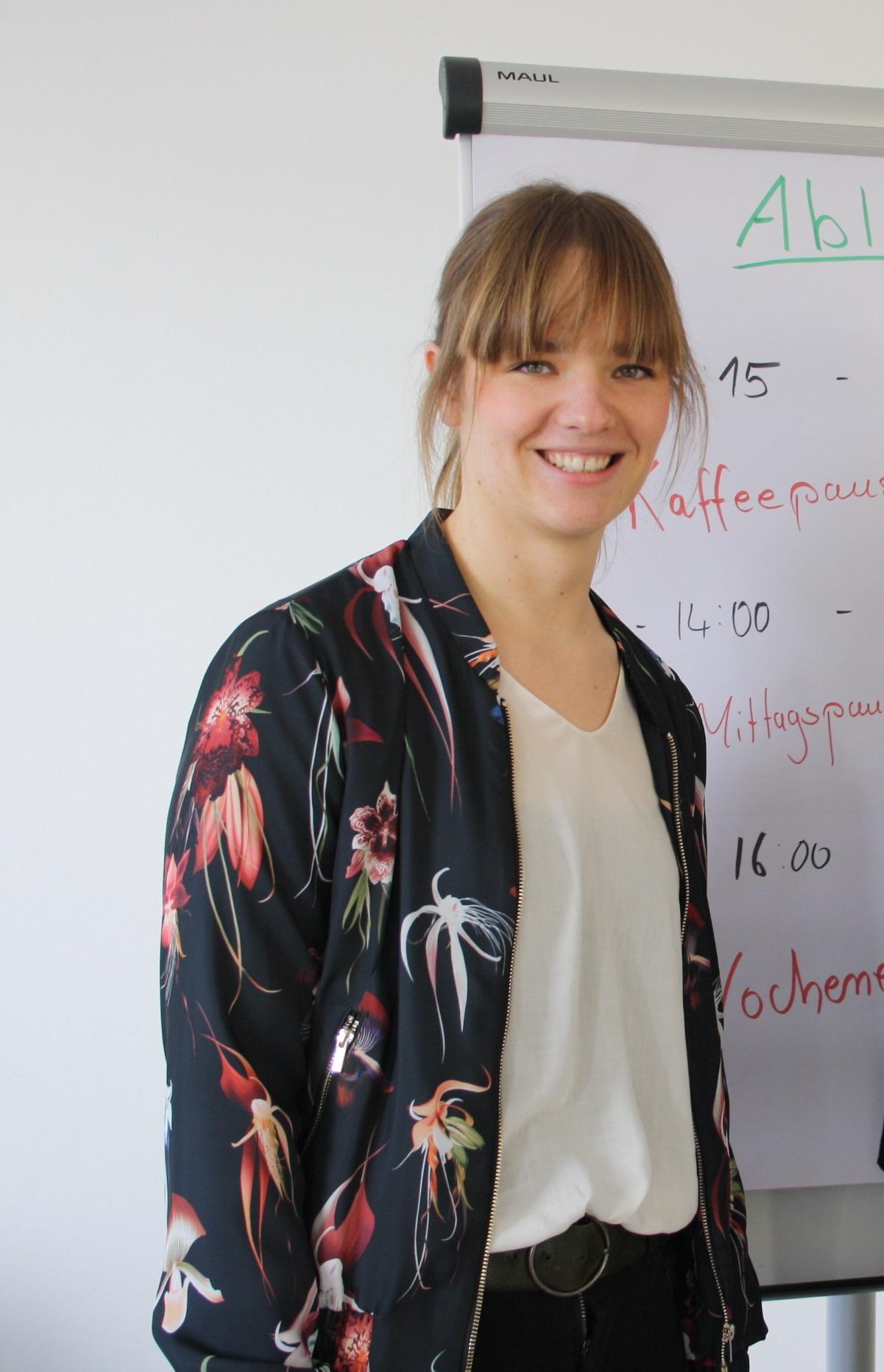 Johanna Hausberg: Referentin für Migration und Vielfalt/ z.Z. in Hamburg