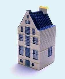 KLM miniatura número 37, Amsterdam, Oude Zijds Voorburgwal 300 Stadskredietbank, Banco de Crédito de la Ciudad, Construida a principios de siglo 17.