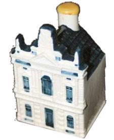 KLM miniatura número 86, Amstelveen, 31 de agosto de 2005 - KLM Royal Dutch Airlines va a celebrar su 86 aniversario en la verdadera tradición con la introducción de un nuevo Delftware miniatura.