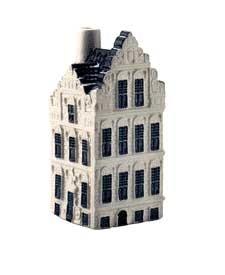 KLM miniatura número 81, Groningen, Goudkantoor Réplica de la Goudkantoor (Oficina de Oro), que todavía está en el Grote Markt, en Groningen. Construida en 1635, la Goudkantoor es un ejemplo de arquitectura de principios de siglo 17.