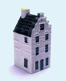 KLM miniatura número 34, Delft, Wijnhaven 16 Het Vergulde Tonneken El Barril Gilted, construida poco después de 1536.